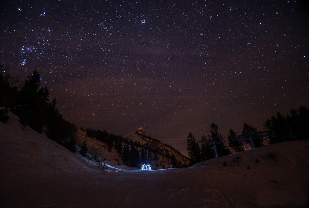 Montée nocturne à La Sambuy. 700 m D+ pour aller déguster une soupe chaude au chalet Là-Haut... avant la redescente à la frontale.  ©Tim Nalet/CTC