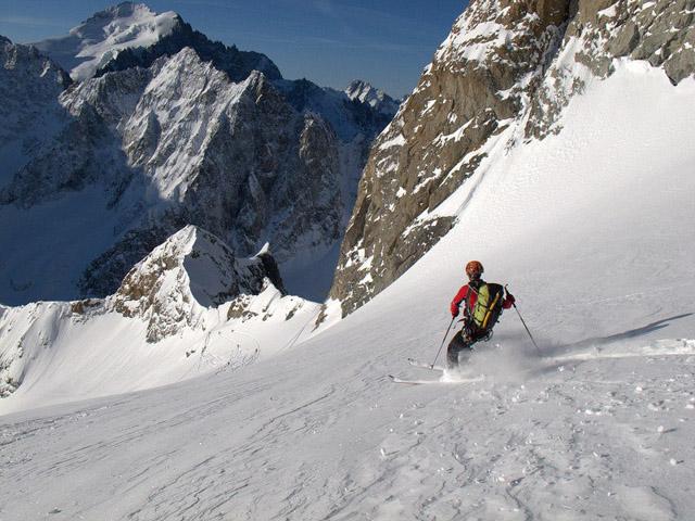 Jeroen, créateur du site skitour.fr, en action