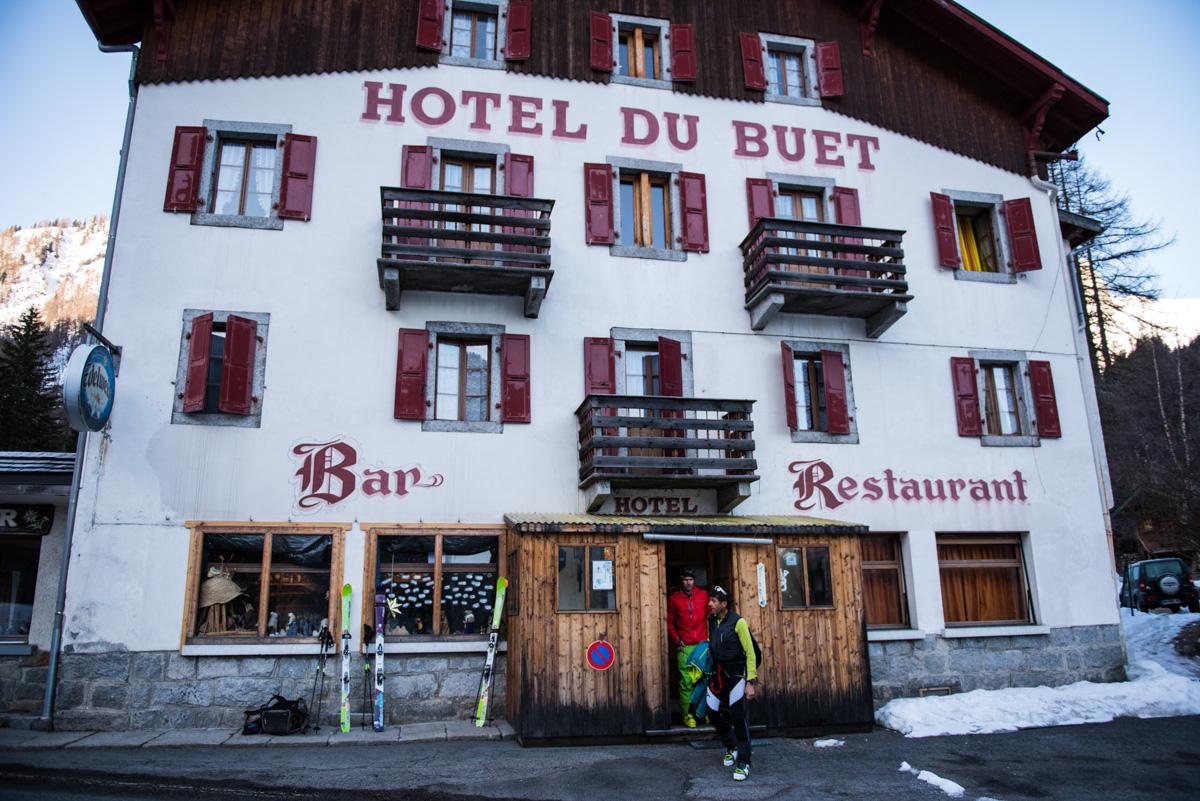 Tout commence à l'hôtel du Buet, à Vallorcine. Un établissement tellement hors du temps qu'il en est chaleureux. ©TimothéeNalet/CTC