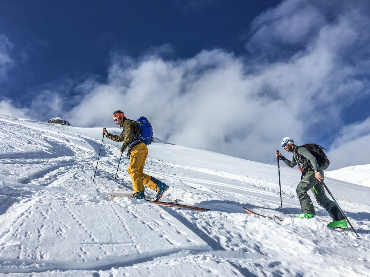 C'est parti pour le Grand Mont avec Vivian Bruchez devant.