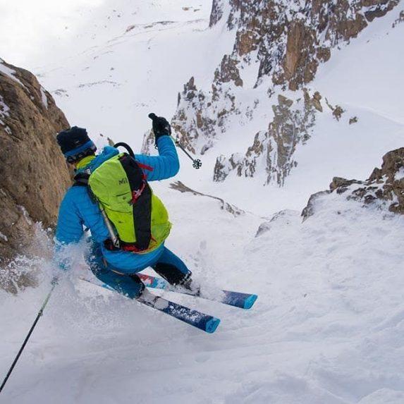 Montagne neige ski randonnée descente pente raide PeakUp Hautes-Alpes