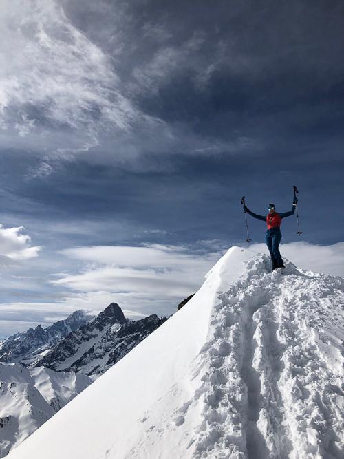 Montagne ski randonnée neige skieur montée sommet Les Monts Telliers Suisse Valais