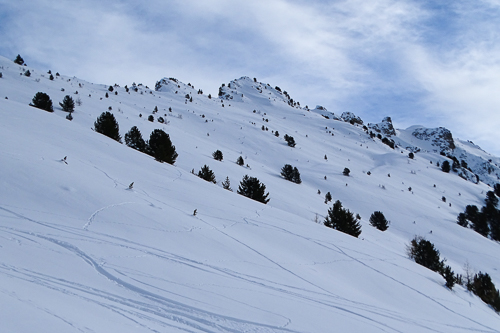 Montagne ski randonnée neige descente Le Touno Suisse Valais