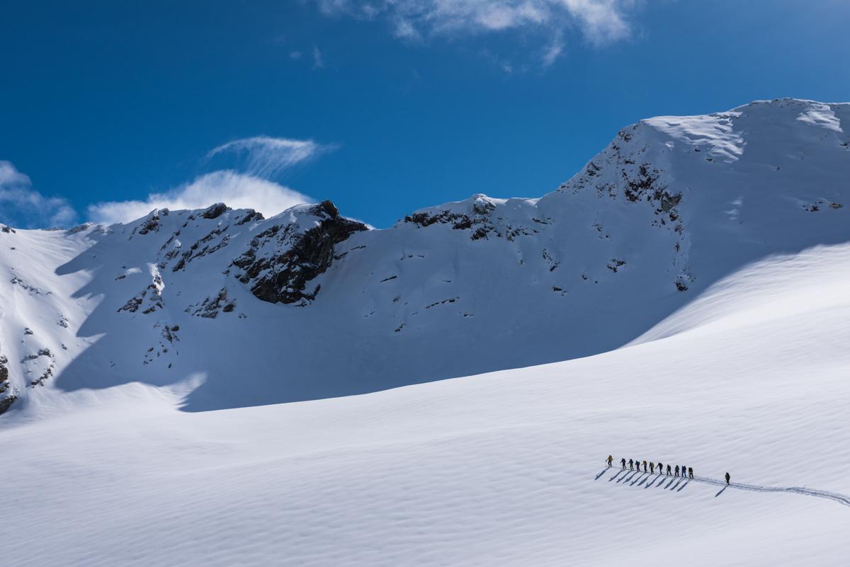Les paysages de rêve se succèdent. Notre prochain objectif, le col de mont Brûlé est dans le coin supérieur gauche de l'image.