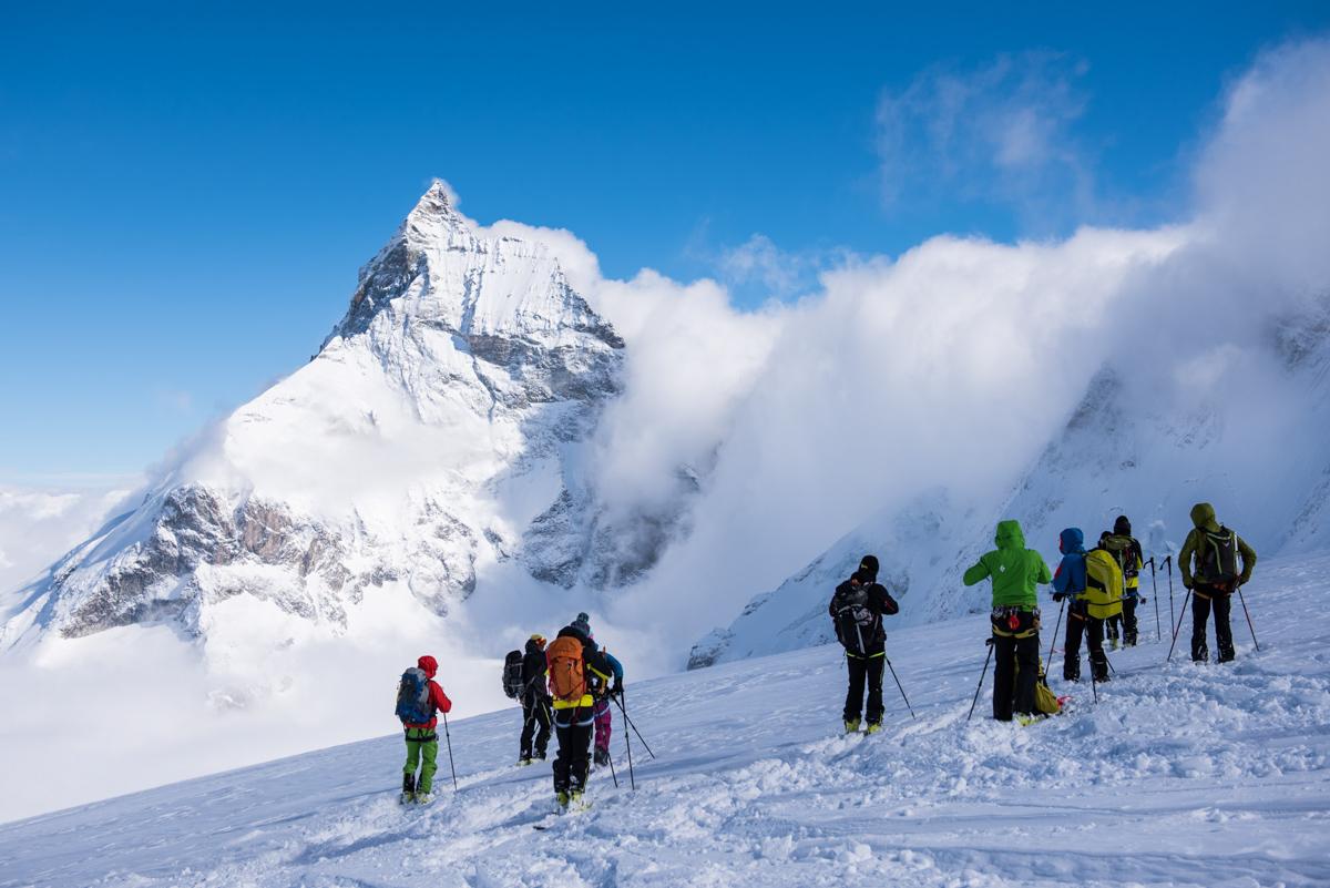 Et d'un coup, l'éclaircie. Pause photo obligatoire devant un des géants des Alpes : le Cervin.
