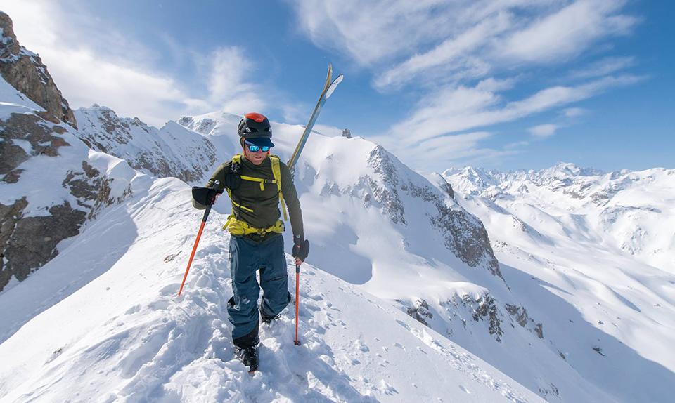 Montagne neige ski randonnée portage crete PeakUp Hautes-Alpes
