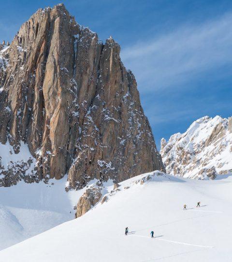 Montagne neige ski randonnée montée PeakUp Hautes-Alpes