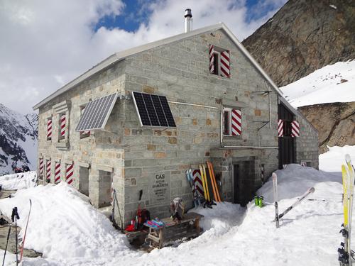 Montagne ski randonnée refuge Cabane du Grand Mountet Suisse Valais