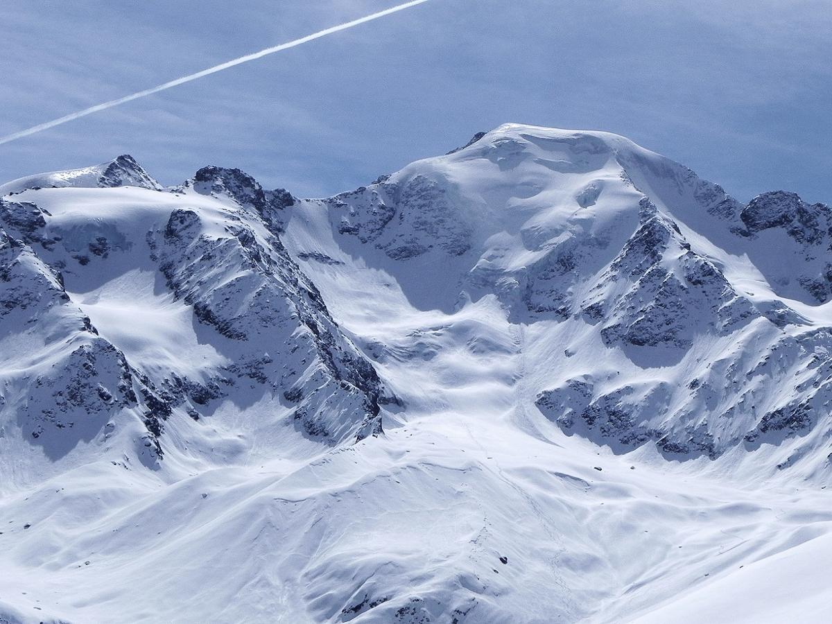 Petit Cervin montagne ski randonnée neige Le Rogneux Suisse Valais