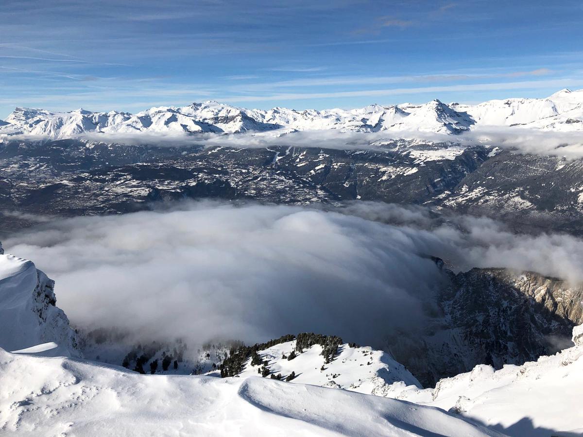 Montagne ski randonnée neige paysage Illhorn Suisse Valais
