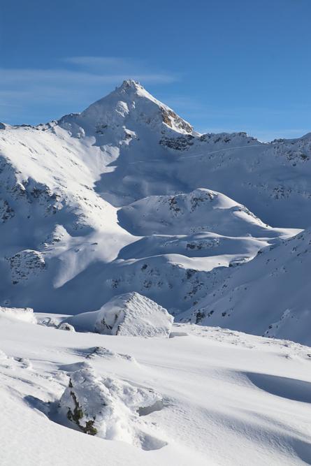 Montagne ski randonnée neige Illhorn Suisse Valais