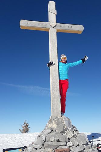 Montagne ski randonnée neige sommet croix Pointe de Bellevue Suisse Valais