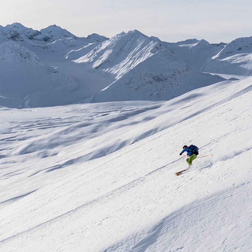 Yukon Canada ski randonnée descente montagnes