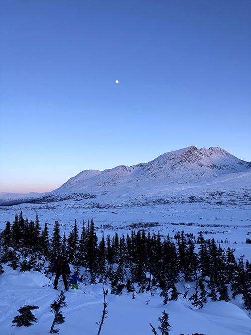 Yukon Canada ski randonnée coucher de soleil